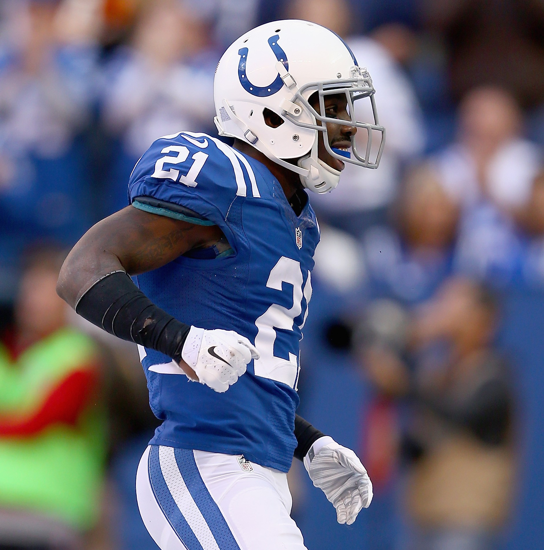 Put Indianapolis Colts Vontae Davis into the Pro Bowl